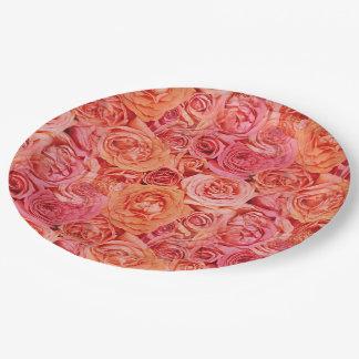 Modelo de flores anaranjado rojo coralino rosado plato de papel