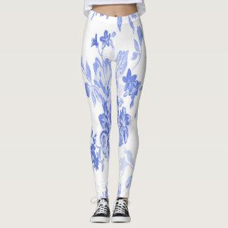 Modelo de flores azules y blancas leggings