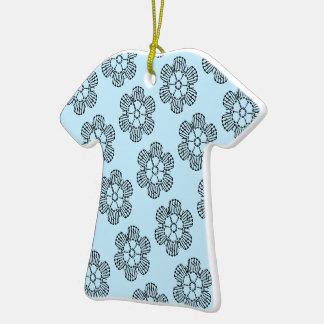 Modelo de la carta del ganchillo de la flor - adorno de cerámica en forma de camiseta