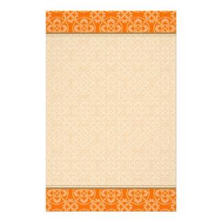 Modelo de la flor de lis en naranja papeleria personalizada