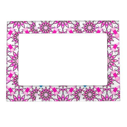 Modelo de la mandala, rosa fuerte, blanco y negro foto de imanes