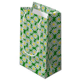 Modelo de la margarita blanca en pequeño bolso bolsa de regalo pequeña
