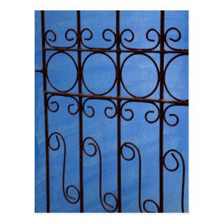 Modelo de la puerta del hierro en el azul, Cuba Postal