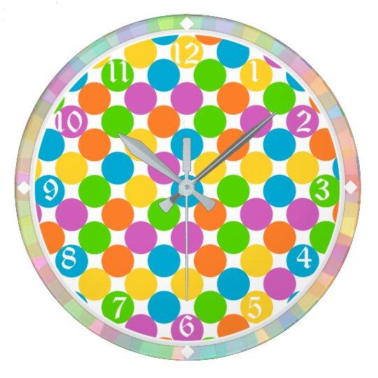 Modelo de lunares colorido reloj redondo grande