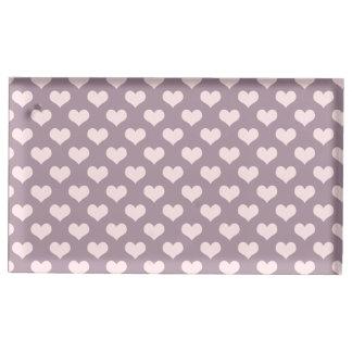 modelo de lunares púrpura de los corazones del soportes de tarjeta de mesa
