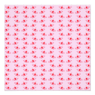 Modelo de mariposa bonito en rosa y rojo comunicado personalizado