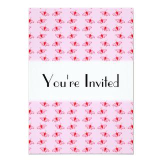 Modelo de mariposa bonito en rosa y rojo invitación 12,7 x 17,8 cm