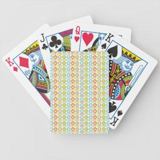 Modelo de moda del botón baraja cartas de poker