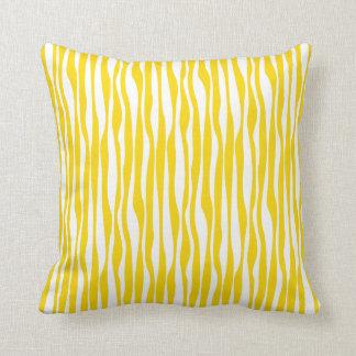Modelo de ondas amarillo y blanco cojín decorativo
