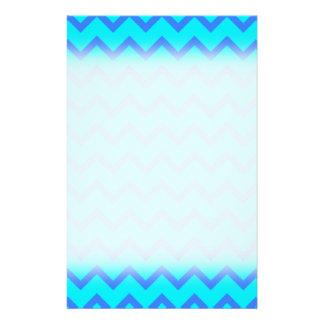 Modelo de zigzag del azul y del trullo folleto 14 x 21,6 cm