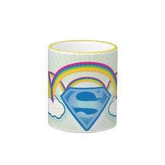 Modelo del arco iris de Supergirl Taza De Dos Colores