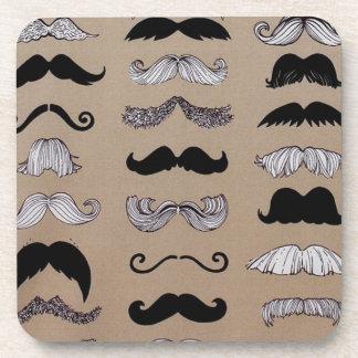 Modelo del bigote portavasos