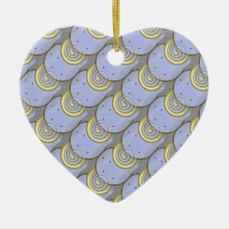 Modelo del zapato del caballo con la plantilla adorno de cerámica en forma de corazón