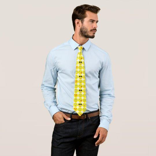 Modelo divertido amarillo y blanco de Emoji Corbata