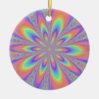 Modelo en colores pastel de las cadenas adorno navideño redondo de cerámica