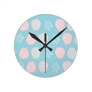 Modelo en colores pastel inteligente reloj redondo mediano