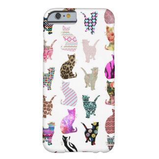 Modelo floral azteca de las rayas de los gatos funda de iPhone 6 barely there