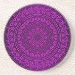 Modelo floral púrpura con clase elegante del remol
