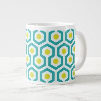 Modelo geométrico abstracto de la colmena taza de café grande