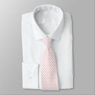 Modelo geométrico en colores pastel del rosa y corbatas personalizadas