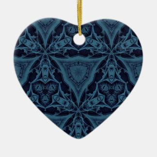 Modelo gótico azul de los triángulos adorno de cerámica en forma de corazón