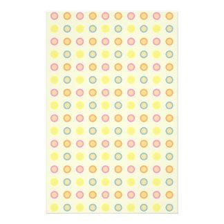 Modelo inconsútil con los círculos y los puntos tarjeta publicitaria