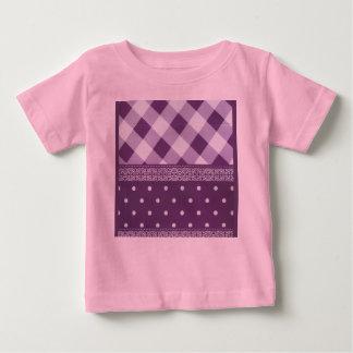 Modelo inconsútil del damasco a cuadros púrpura camiseta de bebé