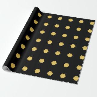 Modelo mate con clase de los hexágonos del oro en papel de regalo