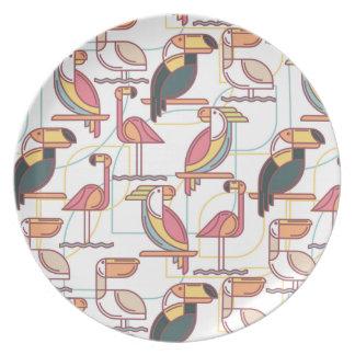 Modelo moderno con los pájaros tropicales plato de comida