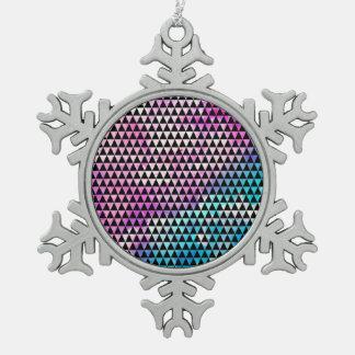 Modelo multicolor abstracto de los triángulos de adorno de peltre en forma de copo de nieve