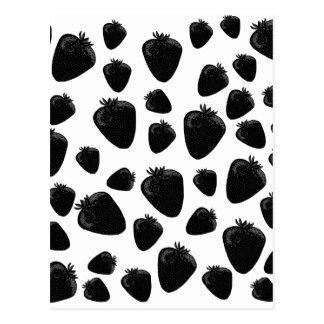 Modelo negro de las fresas postal