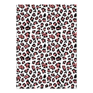 Modelo negro del estampado de animales del leopard