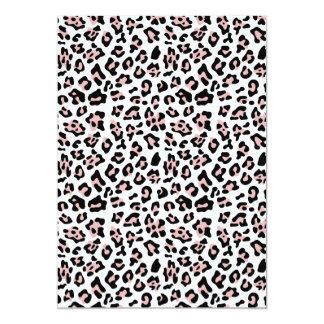 Modelo negro rosado del estampado de animales del invitación
