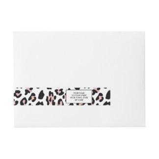 Modelo negro rosado del estampado de animales del etiquetas envolventes de dirección