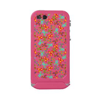 Modelo psico de Pascua colorido Funda Para iPhone 5 Incipio ATLAS ID