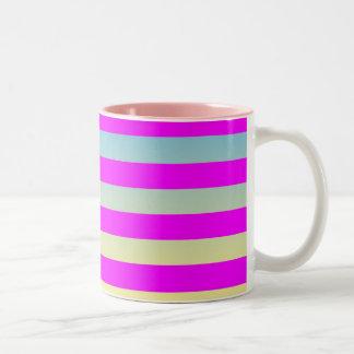 Modelo rayado de la pendiente taza bicolor