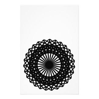 Modelo redondo negro del estilo del cordón folleto 14 x 21,6 cm