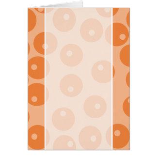 Modelo retro anaranjado enrrollado tarjeta de felicitación