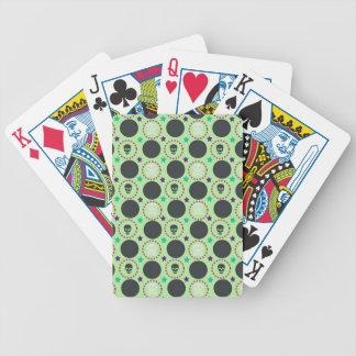 Modelo retro del cráneo del verde de la diversión baraja de cartas bicycle
