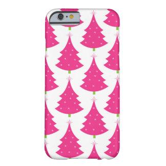 Modelo retro rosado bonito del árbol de navidad funda de iPhone 6 barely there
