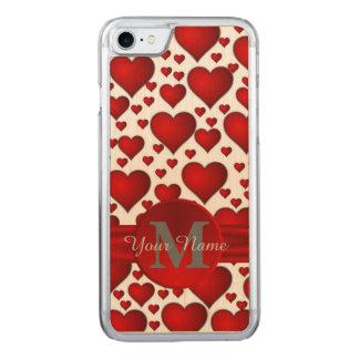 Modelo romántico del corazón con monograma funda para iPhone 7 de carved