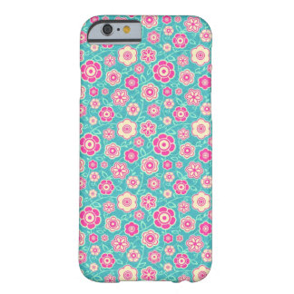 Modelo rosado floral oriental fresco del ornamento funda para iPhone 6 barely there