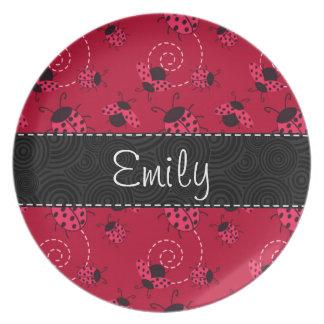 Modelo rosado y negro de la mariquita plato de comida