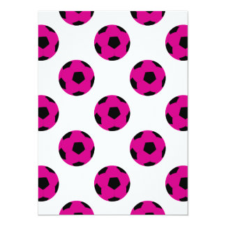 Modelo rosado y negro del balón de fútbol comunicados personales