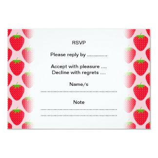 Modelo rosado y rojo de la fresa invitación 8,9 x 12,7 cm