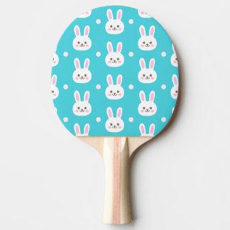 Modelo simple blanco de los conejitos de pascua de pala de ping pong