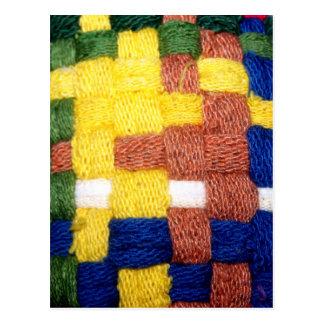 Modelo tejido colorido postal