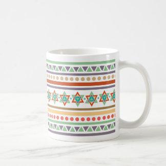 Modelo tribal étnico taza de café