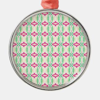 Modelo verde rosado de las cadenas de las rayas adorno navideño redondo de metal
