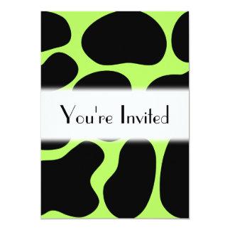 Modelo verde y negro enrrollado de la vaca invitación 12,7 x 17,8 cm